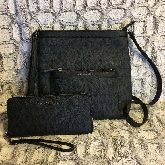 Michael Kors Handbags - Brand New w/Tags Authentic Michael Kors Purse Set